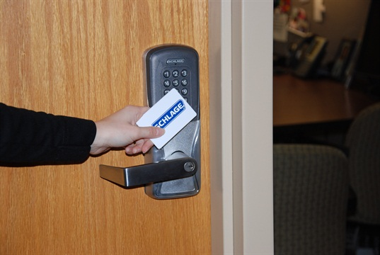 Locks provide multiple, interchangeable credential reader modules as well as interchangeable offline, wired and wireless networking modules so access control can be installed at doors where it had been previously unfeasible.